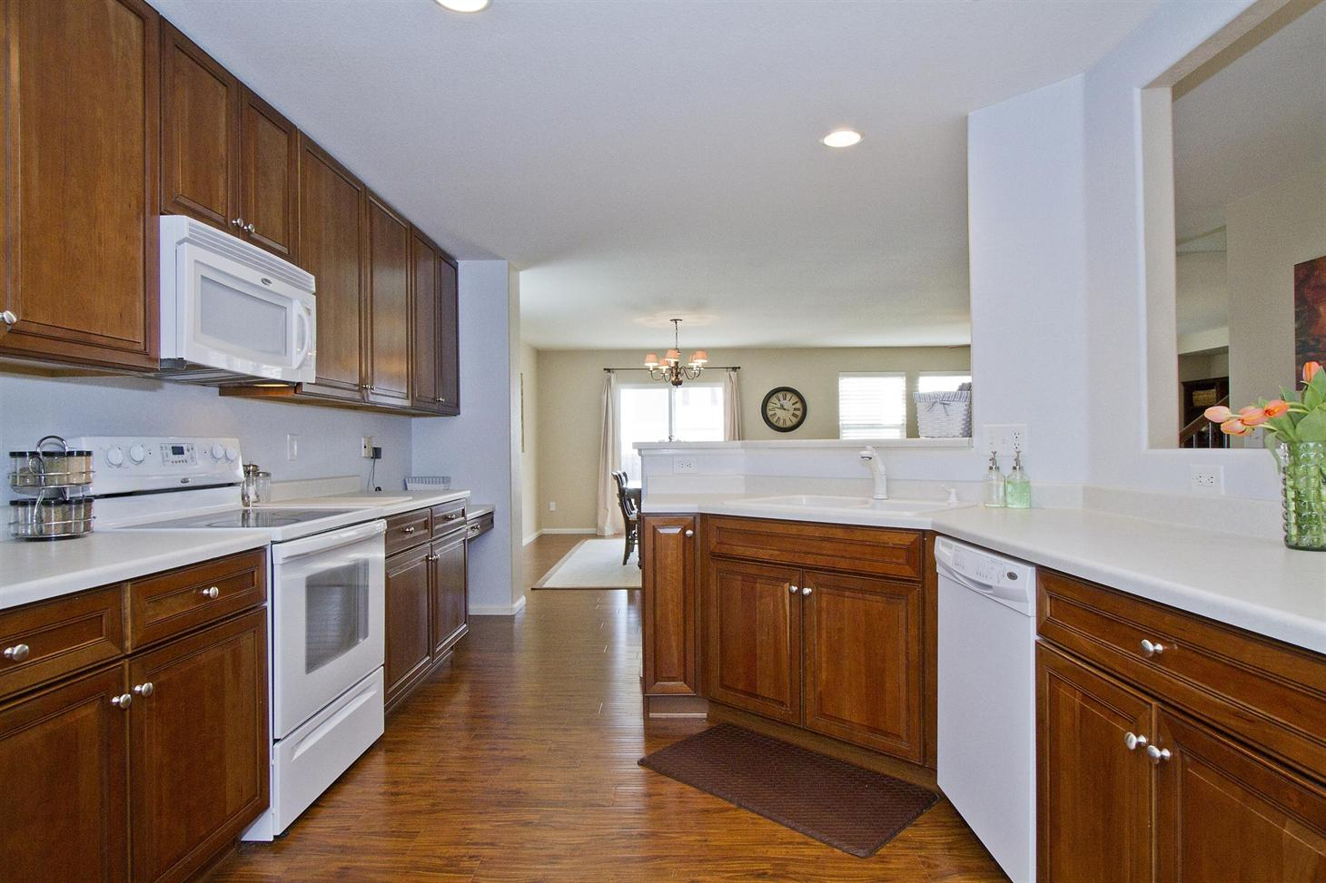 Uncategorized Kitchen Appliances Brighton brighton east farms 4788 spinning wheel dr co 80601 super cleanlarge open kitchengreat room3 bed3 bath plus large loft easily converted to 4th bedroomfront back covered pati